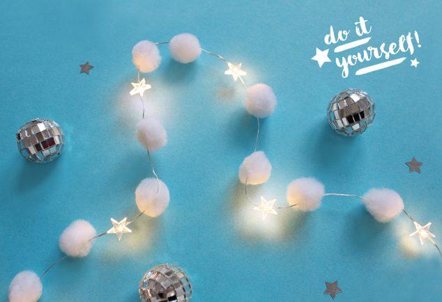 DIY Weihnachtsdeko: Pompom-Lichterkette